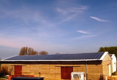 176 kWp-Anlage auf Lagerhallen