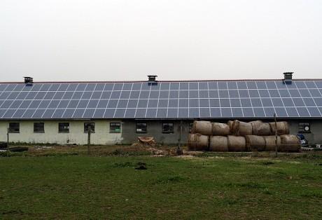 73 kWp-Anlage auf Pferdehof